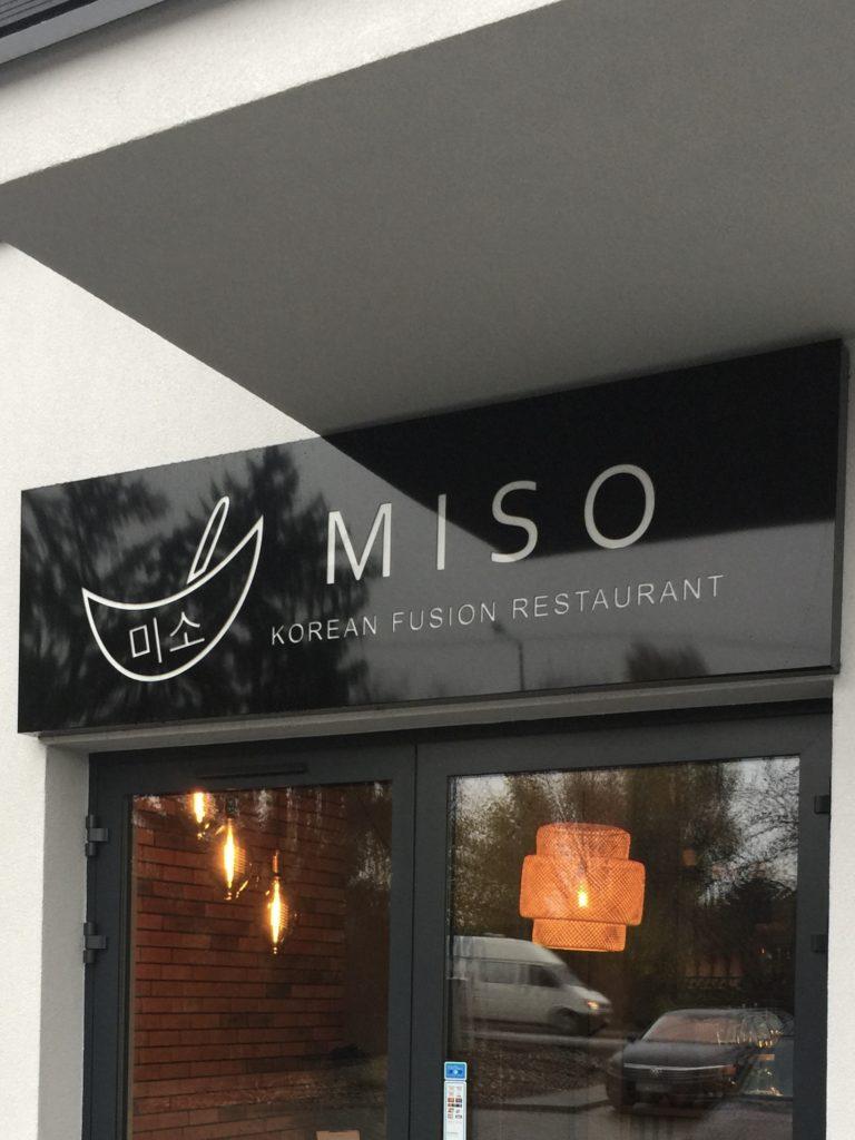 Kaseton świetlny z dibondu restauracja miso
